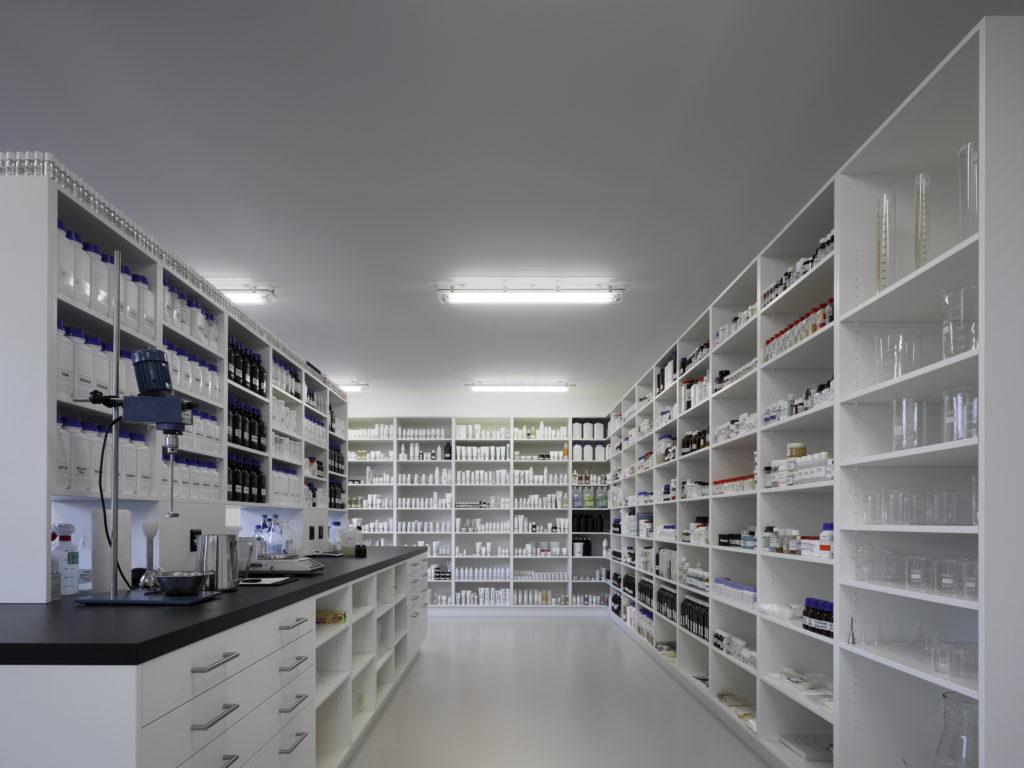 NAHRIN JÜSTRICH laboratoorium